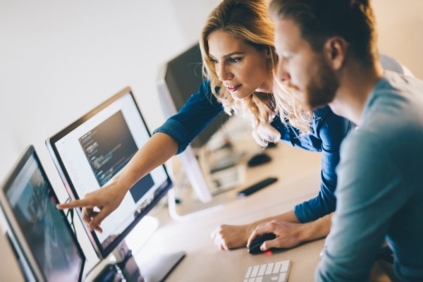 What is Outsourcing? Benefits of IT Outsourcing in 2021